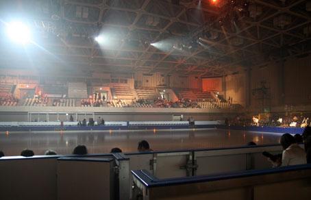 月寒体育館のスケートリンク