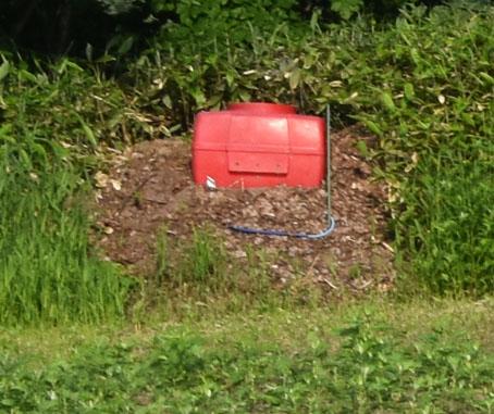 赤いタンク
